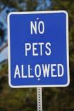 Aucuns animaux familiers permis le signe Photos stock
