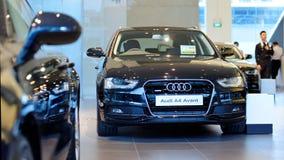 Audi A4 avant no centro Singapore de Audi Foto de Stock