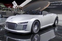 Audi e -e-tron Spyder in de Show van de Motor van Parijs 2010 royalty-vrije stock afbeelding