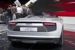 Audi e -e-tron Spyder in de Show van de Motor van Parijs 2010 royalty-vrije stock fotografie