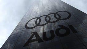 Audi-embleem op een wolkenkrabbervoorgevel die op wolken wijzen Het redactie 3D teruggeven Stock Foto's