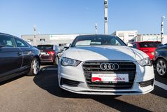 Audi emblem på en audibil royaltyfri bild