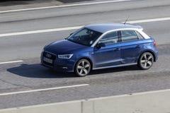 Audi A1 på vägen Arkivbild