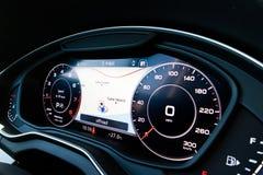 Audi Q5 2017 deska rozdzielcza Fotografia Stock