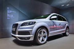 Audi Q7 SUV angezeigt in einem Ausstellungsraum, Shanghai, China lizenzfreie stockfotos