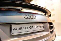 Audi R8 GT Spyder på skärm på Audi Fashion Festival 2012 Arkivbilder