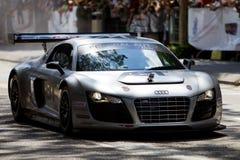 Audi R8 Schaukasten in Verbindung mit Demo F1 Lizenzfreie Stockfotografie