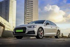 Audi A5 s-linje vit Royaltyfri Foto