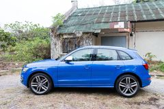 Audi SQ5 side view Royalty Free Stock Images