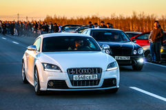 Audi TTS et Mercedes-Benz E55 AMG Photo stock