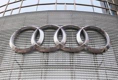 Audi-Zeichen lizenzfreies stockbild