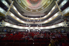 Audience fill hall expecting operetta Royalty Free Stock Photos