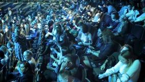 Audiencia antes de la demostración almacen de metraje de vídeo