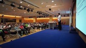 Audiencia en el día de la conferencia de publicidad de Internet metrajes