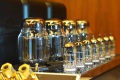 Audio amplificatore elettronico Audiophile del tubo a vuoto fotografia stock