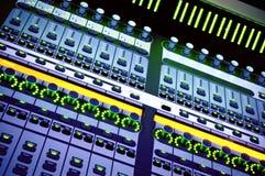 Audio het mengen zich console stock afbeelding