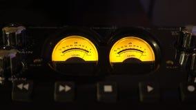 Audio misst Musik-Studio-Hintergrund-Video stock video