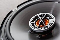 Audio para el automóvil con los altavoces imagen de archivo