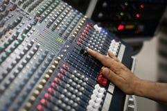 Audio pult moderno della miscela Fotografia Stock Libera da Diritti