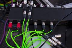 Audio rete via cavo con vari colori fotografia stock libera da diritti