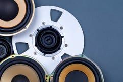 Audio Rozsądni mówcy i Otwierają rolka przedmioty Inkasowych Zdjęcia Stock