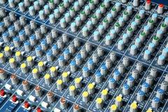 Audio sezione comandi del miscelatore Immagine Stock Libera da Diritti