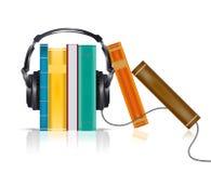 Audioboekenconcept met hoofdtelefoons Stock Foto's