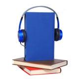 audiobook książkowi pojęcia hełmofony zarezerwuj słuchawki Zdjęcie Royalty Free