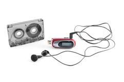 Audiocassette e jogador mp3 Foto de Stock Royalty Free