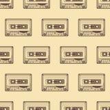 Audiokassetten-Braunmuster auf hellem Hintergrund Lizenzfreie Stockbilder