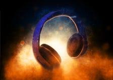 Audiokopfhörer-Lit drastisch von unterhalb Lizenzfreies Stockbild