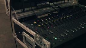 Audiomixer en versterkermateriaal stock videobeelden