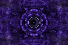 Audiosprecher auf einem violetten Hintergrund Lizenzfreie Stockfotografie