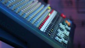 Audiotonregiepult Solide Steuerung während der Konzerte stock footage