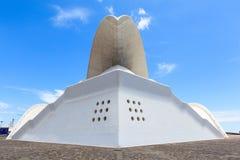 Auditorio de特内里费岛-未来派音乐厅,设计由圣地牙哥・卡拉特拉瓦 免版税图库摄影