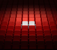 Auditorium mit zwei reservierten Sitzen Lizenzfreies Stockfoto