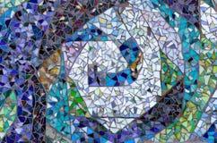 Außenmosaikdesign der sortierten gebrochenen Fliese Lizenzfreie Stockfotografie