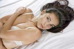 Auf Bett Stockfotos