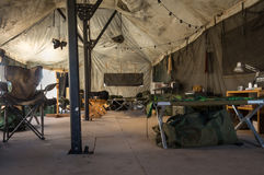 Auf dem Innere ein Armeezelt stockfoto