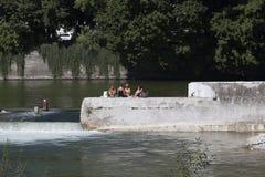 Auf dem Isar-Fluss Lizenzfreie Stockfotos