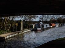 Auf dem Kanal stockfotos