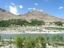 Auf dem Panj-Fluss auf Tadschikistan Stockbild