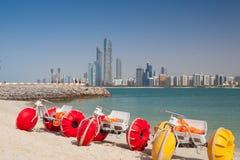 Auf dem Strand in Abu Dhabi, Vereinigte Arabische Emirate Lizenzfreie Stockbilder