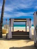 Auf dem Strand im Playa del Carmen in karibischem Meer von Mexiko Lizenzfreie Stockfotos