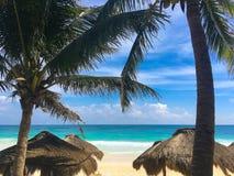 Auf dem Strand im Playa del Carmen in karibischem Meer von Mexiko Stockfotos