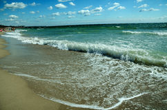 Auf dem Strand Schwarzen Meers lizenzfreies stockbild