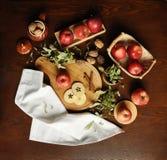 Auf dem Tisch der Äpfel/Flatlay 2 Stockfotografie