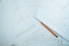 Auf dem Tisch zeichnen Stockbilder
