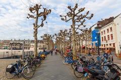 Auf dem Vrijthof in Maastricht, die Niederlande stockbilder