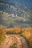 Auf dem Weg durch die reizende Landschaft von Siebenbürgen Lizenzfreies Stockbild